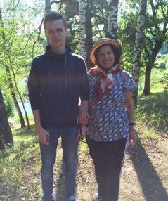 С внуком-студентом